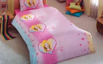 Почти все девочки мечтают о спальне из сказки.