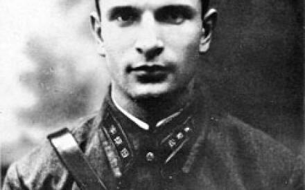 Таким Александр Святогоров был сразу после прихода в органы НКВД в 1940 году