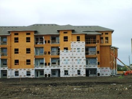Так же строят и многоквартирный жилой