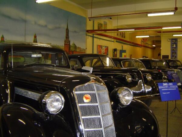Легендарные ретроавтомобили в Музее киностудии «Мосфильм»