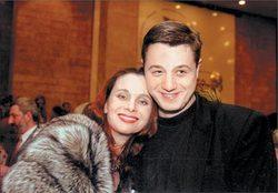 Мама и сын - актриса и актёр Алексей Макаров