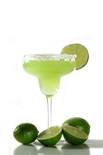 Пожалуй, самый известный коктейль - это Маргарита.