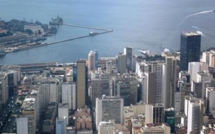 Почему же именно Рио-де-Жанейро оставил такие незабываемые впечатления?! – размышлял я в самолете