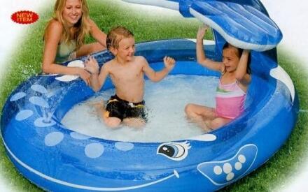 Надувной бассейн доставит ребенку массу положительных эмоций и превратит жаркий летний день в настоящий праздник