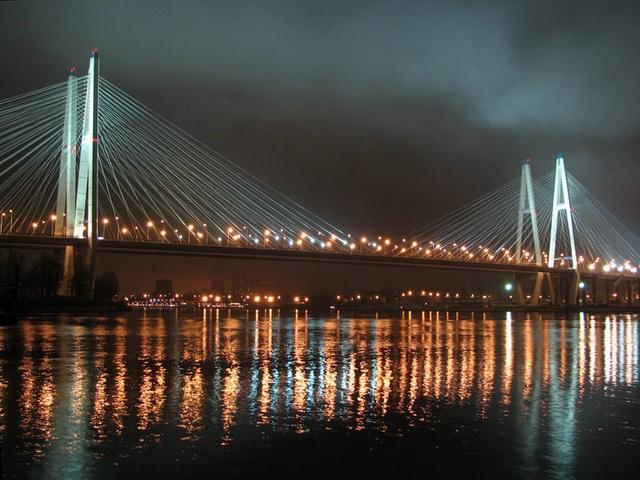 Вантовый мост ночью фото с сайта www most
