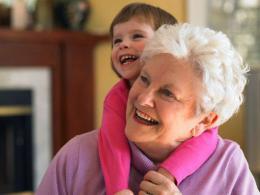 Что подарить бабушке своими руками