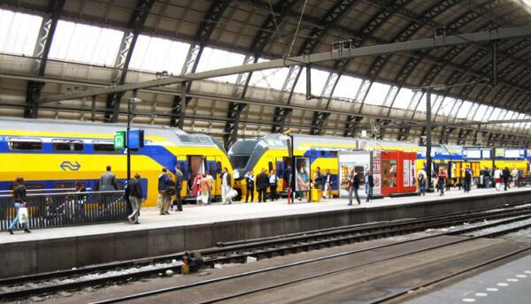 Железнодорожный вокзал Амстердама