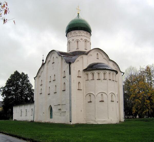 Храм  Федора Стратилата на Ручью.
