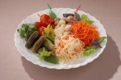 Что вкуснее квашеной капусты? Капуста с огурцами, с маринованными грибами, с пастернаком…