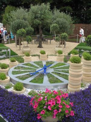 Сад «Время и деньги» дизайнер Mary Hoult
