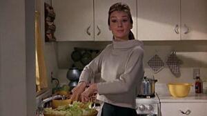 Позже Одри скажет, что роль Холли совершенно ей не подходила.