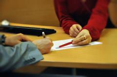 Как работодатель может «раскусить» Вас по подписи? Детали