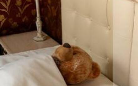 Одеяло надо подбирать исходя из особенностей своего организма и теплоты помещения спальни