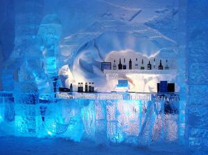 Настоящий отель изо льда