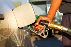 Как экономить бензин? Точки зрения физика, автоспортсмена, автоинструктора и опытного шофёра(michaeljung, Shutterstock)