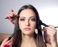 О чем расскажет ваш ежедневный макияж?(viki2win / Shutterstock.com)