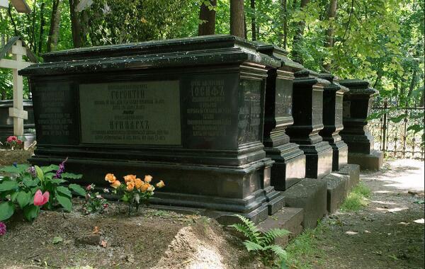 Могилы архиереев на Рогожском кладбище, Москва