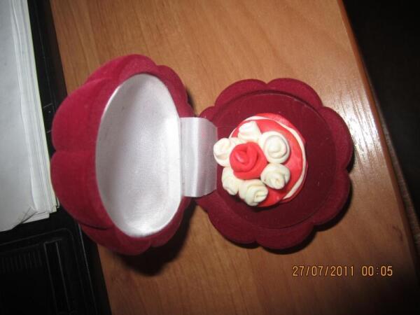 Тортик из пластилина в подарочной упаковке