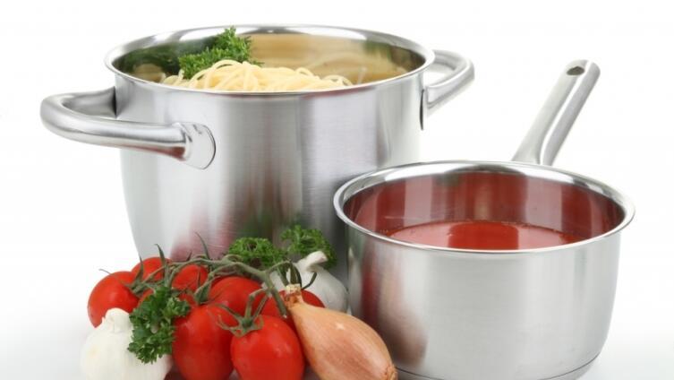 Какой должна быть кухонная посуда? Вкус еды