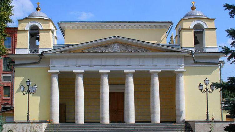 В Москве всего две католические церкви. Одна из них – Храм Святого Людовика Французского