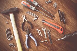Что выбрать: молоток или гвоздодер? Тест о ручных инструментах