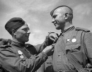 Знаете ли вы военные награды советского времени?